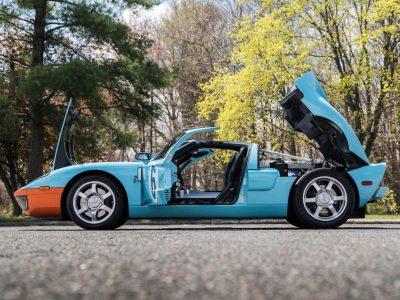 Ford-GT-Hood-Open-Side-1600x1067